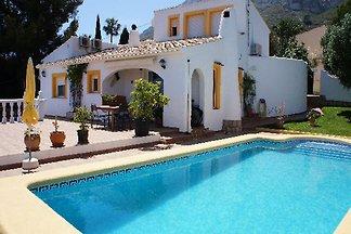 DE 611 Villa Spanje met zwembad