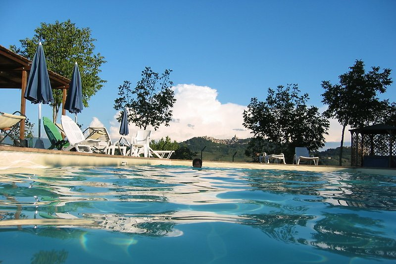 Swimming with the view of Todi