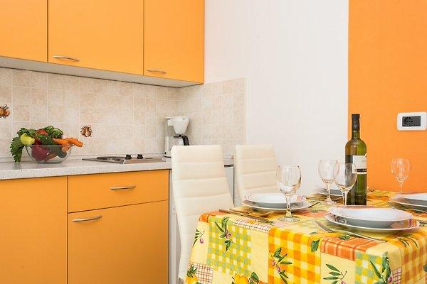 Denis 2 in een rustige en centrale locatie vakantie appartement in vrbnik huren - Centrale eiland prijzen ...