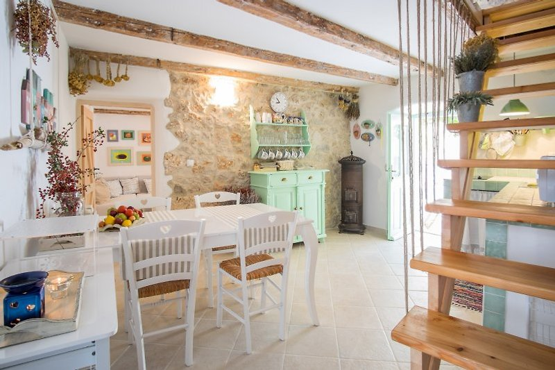 Küche und Essezimmer