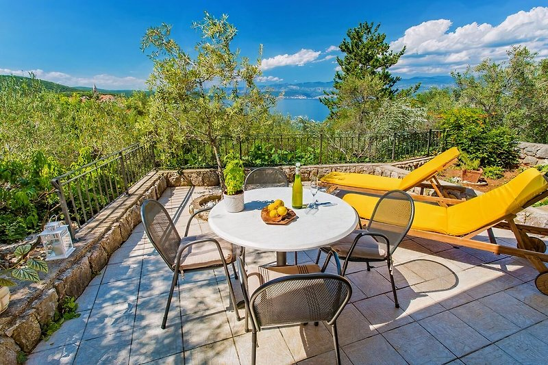 Apartment Braut in Vrbnik on island Krk