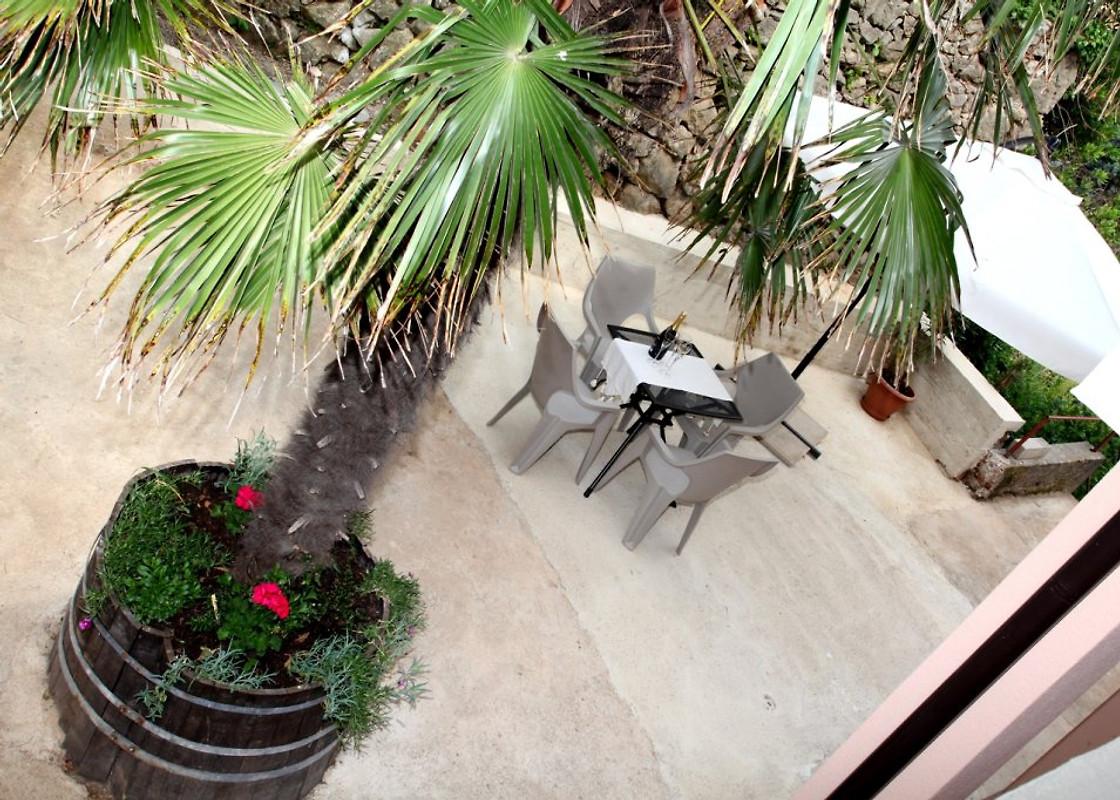ivana neu zentral gelegen ferienwohnung in vrbnik mieten. Black Bedroom Furniture Sets. Home Design Ideas