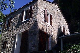 Corsica, Zicavo. Haus mit Garten