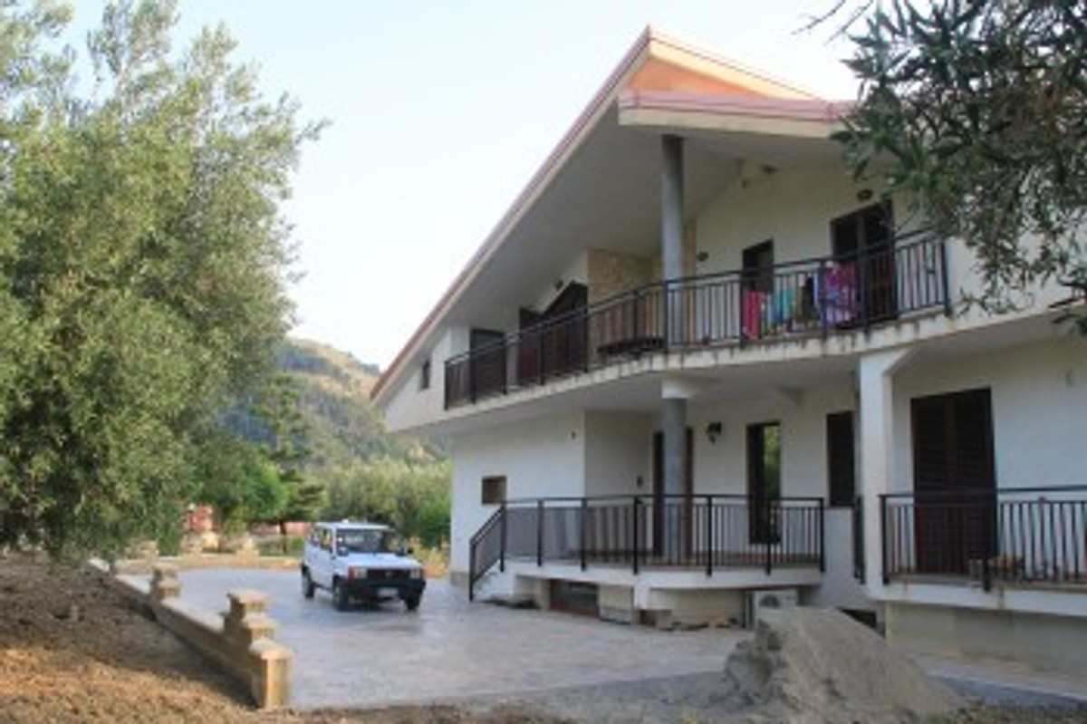 Cottage auto inclusiva casa vacanze in campora san for Piccoli piani casa del sud del cottage
