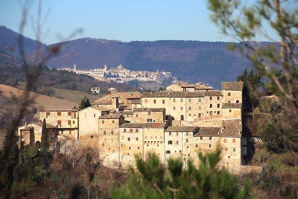 Panorama mit Anwesen in der Mitte