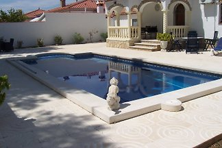 Luxus  Ferienhaus mit Pool 6 Pers.