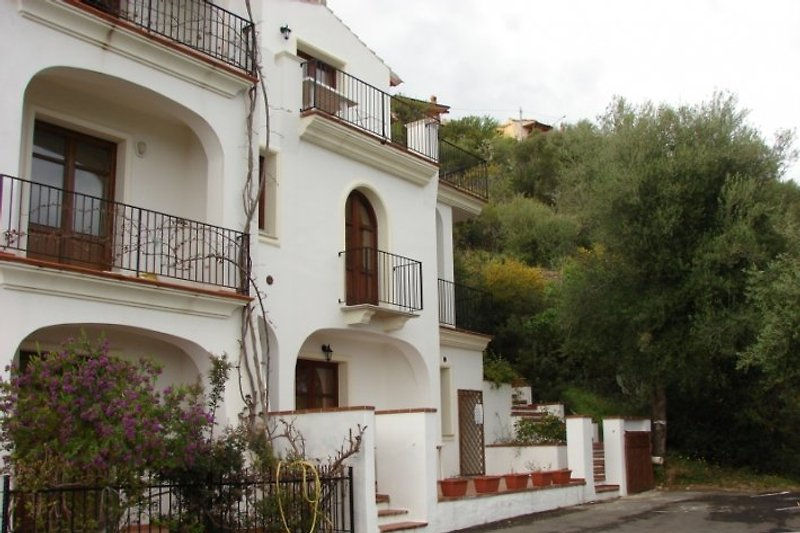 Apartment on the first level of Villa Comida, with a breathtaking view to the sea ..