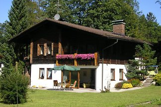 Only 5 minutes walk from the Koenigssee and from the ski area