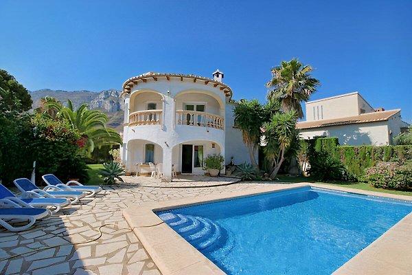 Villa con 2 apartamentos u. Piscina privada en Denia - imágen 1
