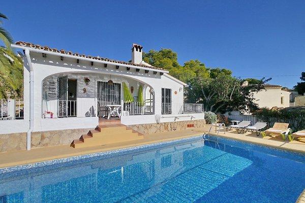 Casa con vistas al mar en Moraira - imágen 1