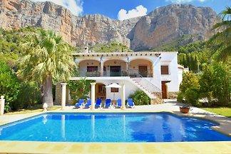 idyllische Villa mit Privatpool