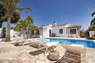 Villa blickgeschuetzter Private Pool