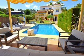 herrliche Villa in Javea mit Pool