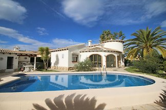 strandnahe Villa in Denia mit Pool