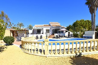 Villa - fantastic garden with pool