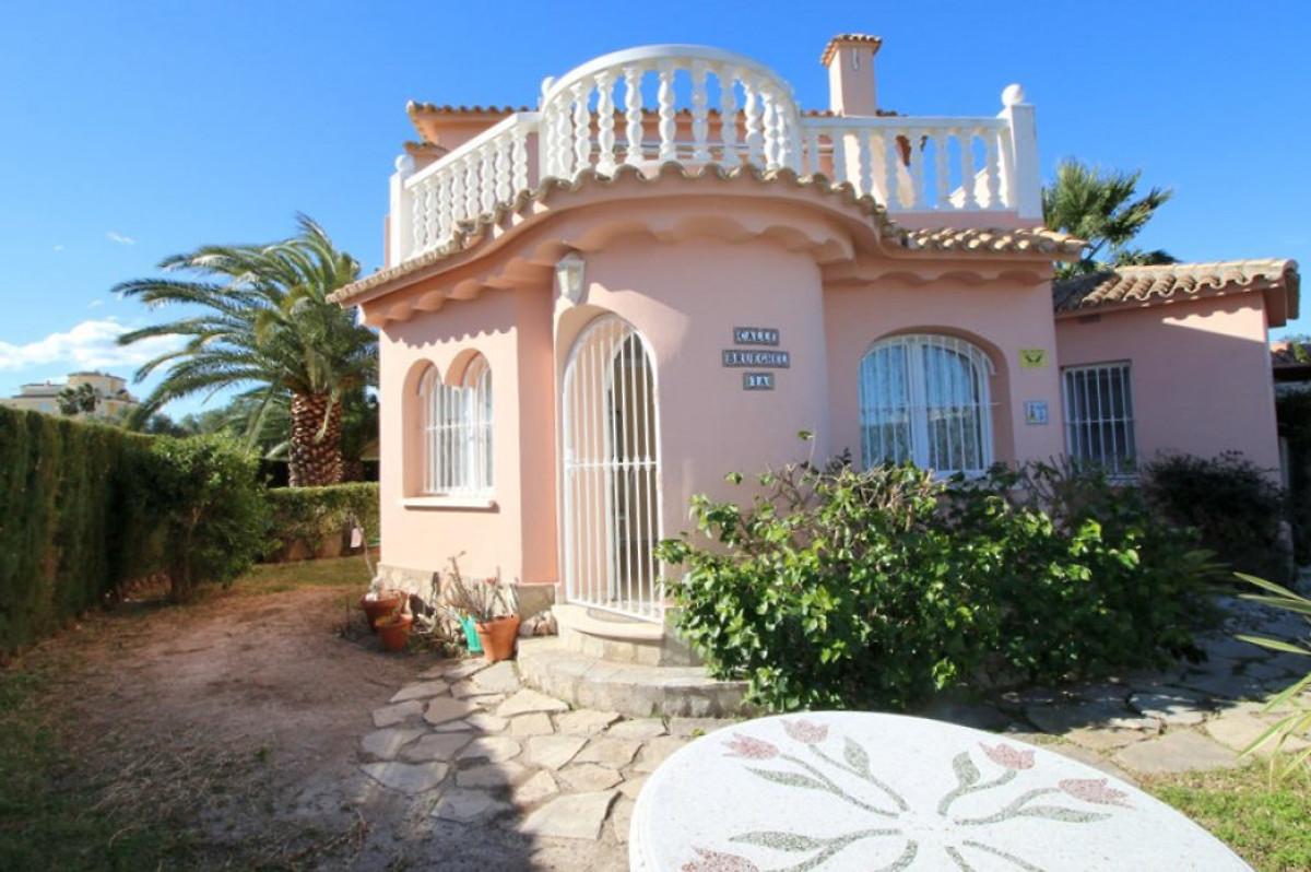 villa am strand olivanova bei denia ferienhaus in denia mieten. Black Bedroom Furniture Sets. Home Design Ideas