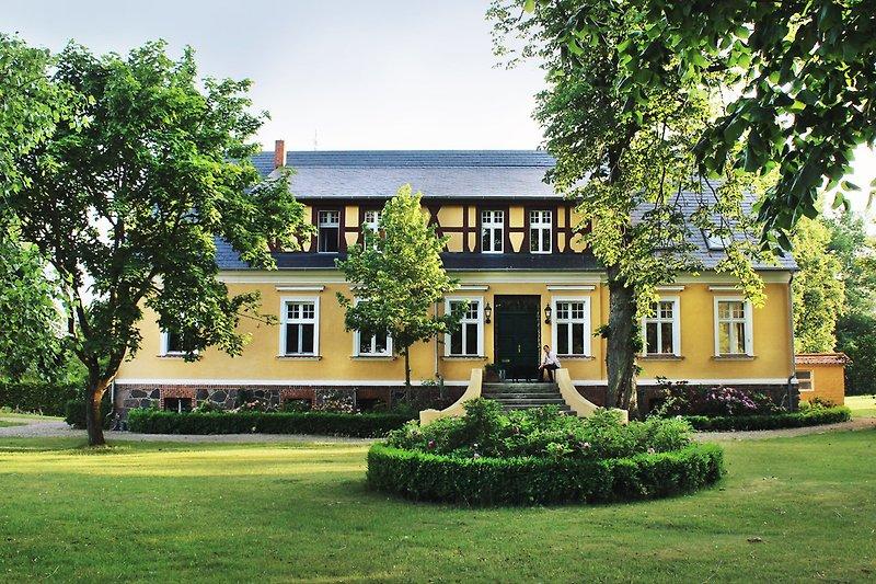 central farmhouse Netzow