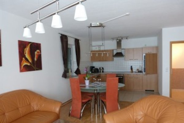 Wohnzimmer, Essecke und Küche