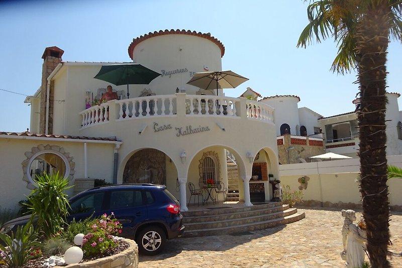 Außenansicht Villa Kath. dos m. Pool