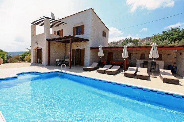 Villa Helena, 5*,  in Gerani - picture 1