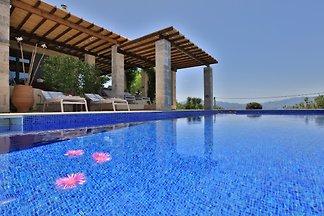 Villa Pegasus, 5*Villa