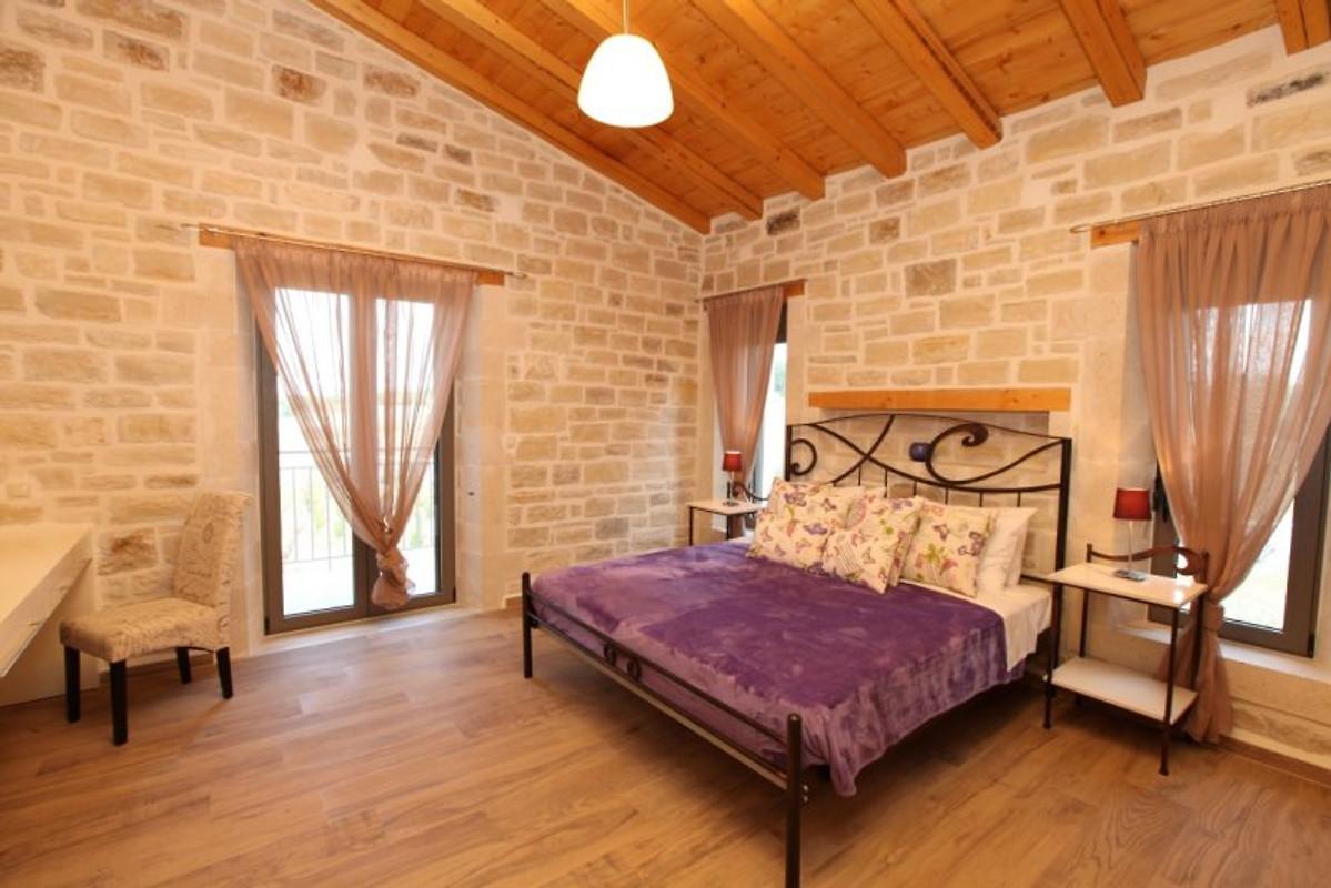 villa athene 5 villa ferienhaus in hamalevri mieten. Black Bedroom Furniture Sets. Home Design Ideas