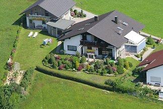 Ferienhaus u.Fewo Holzapfel  Bay.W.