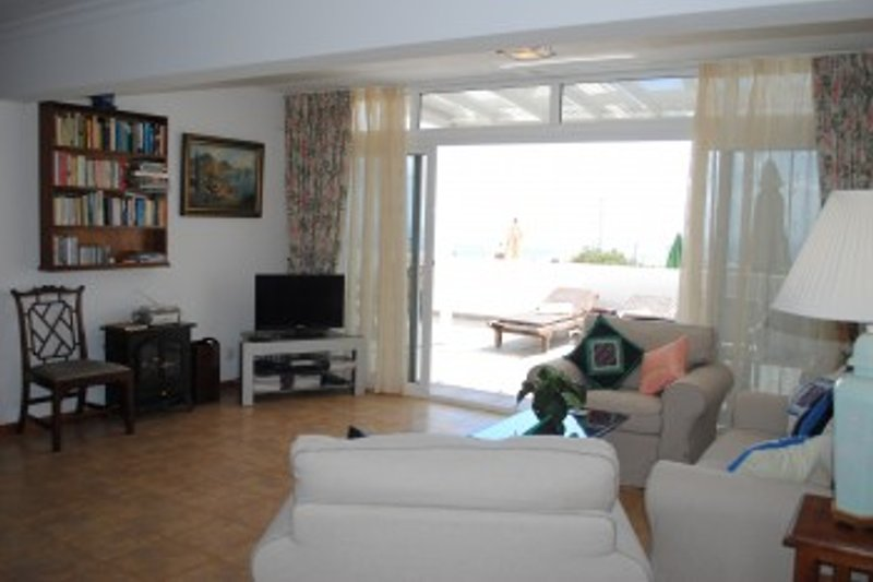 Wohnzimmer ,Blick zur Terrasse