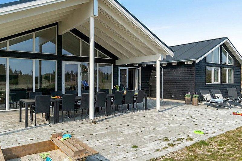 Terrasse vom Ålbæk Poolhus