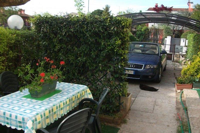 Garten und Carport