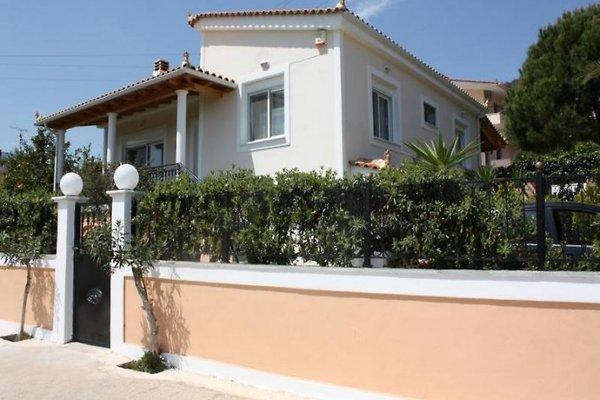 PALATAKI in Korfos - immagine 1