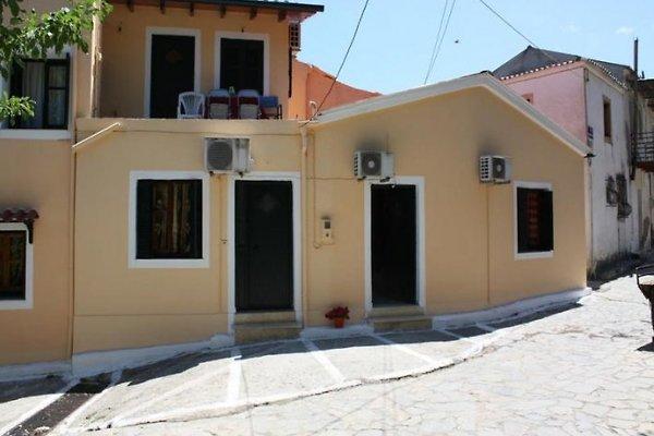 Dinos in Agios Matthäos - immagine 1