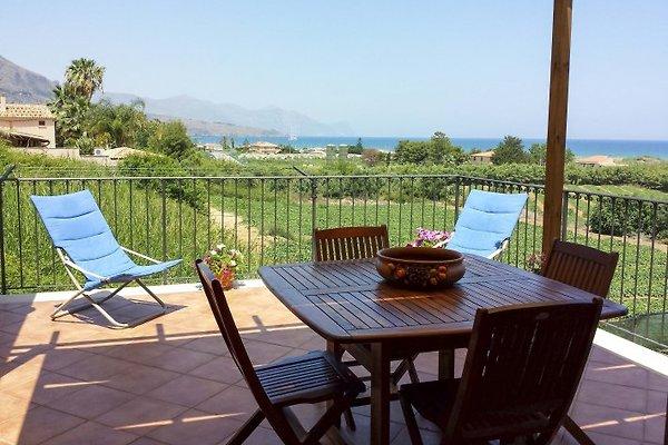 Penthouse Villa mit Garten am Meer  in Castellammare del Golfo - Bild 1