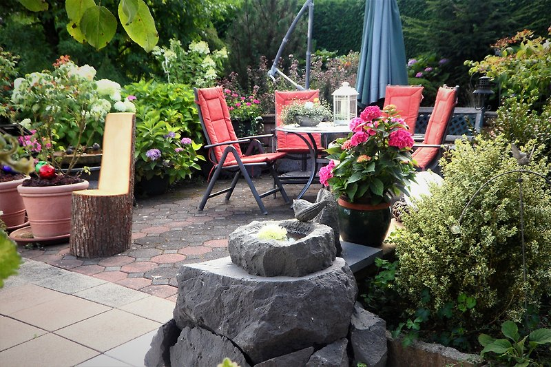 Sitz- und Grillplatz im Gästegarten