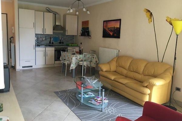 Villa medici ferienwohnung in ospedaletti mieten for Schlafsofa 300 euro