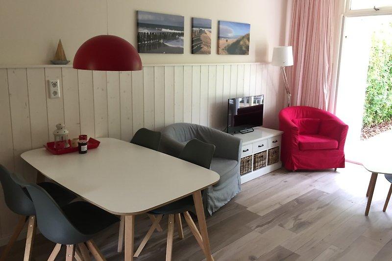Essplatz und Wohnzimmer