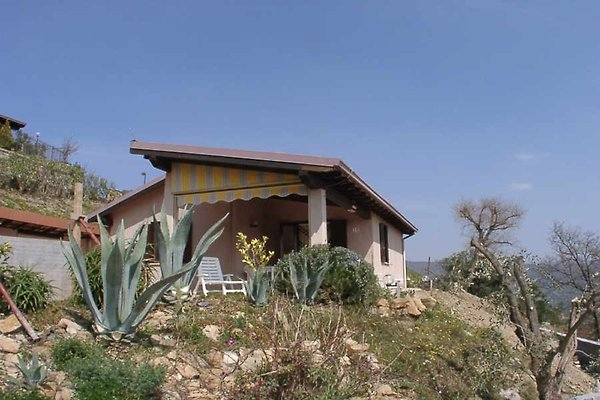 Casa de vacaciones en Diano Arentino - imágen 1