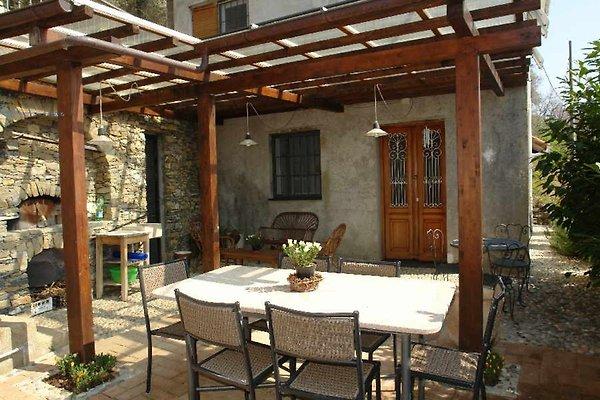 Casa de vacaciones en Casanova Lerrone - imágen 1
