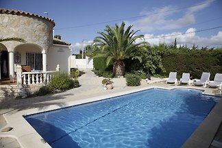 Great vacation home to 6 persons with swimming pool in 43892 Miami Playa Spain for Rent near the center and sea.