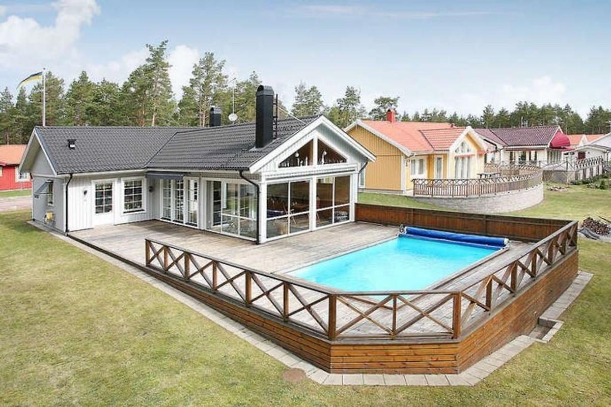 ostsee pool sauna boot okn ferienhaus in okn mieten. Black Bedroom Furniture Sets. Home Design Ideas