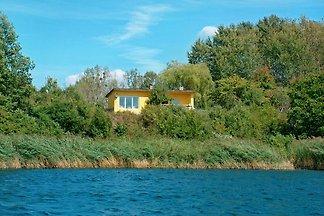 Ferienhaus in Alleinlage am Kuhzer See mit Panoramablick