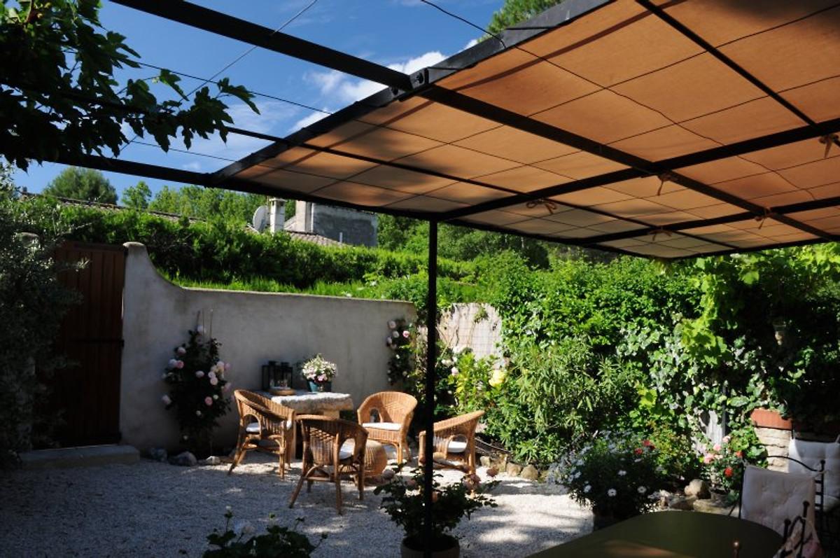 le pigeonnier ferienhaus in st r my de provence mieten. Black Bedroom Furniture Sets. Home Design Ideas