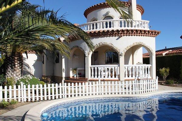 Villa toni avec piscine priv e climat maison de for Location villa miami avec piscine