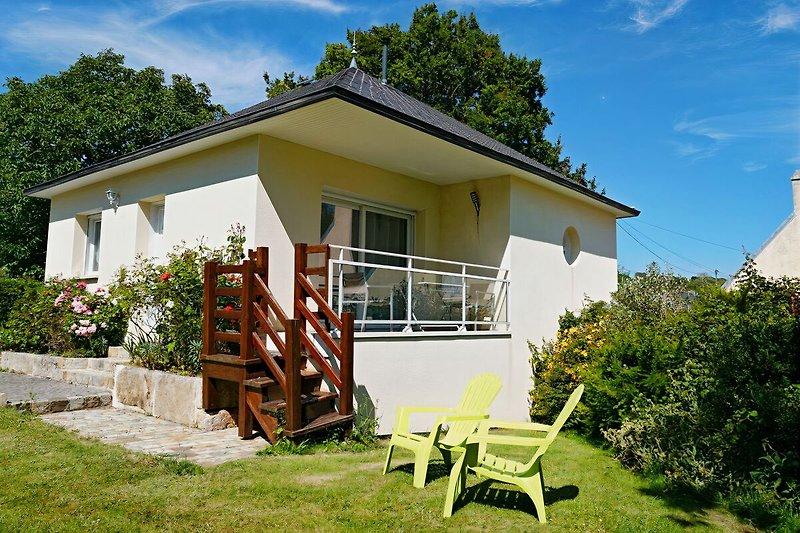Balkon und Zugang zum Garten
