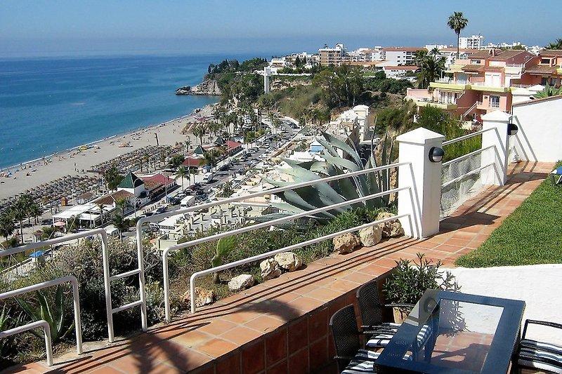 Ausblick von der Terrasse zum Playa Burriana