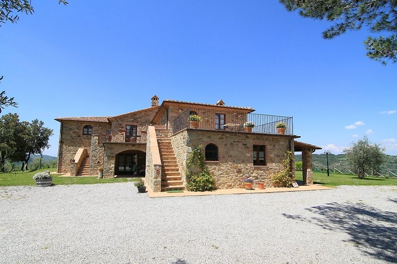 Castagnatello Estate - main building