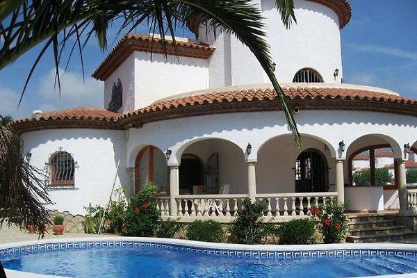 Exkl. Villa mit Pool und Klima in Miami Playa - Bild 1
