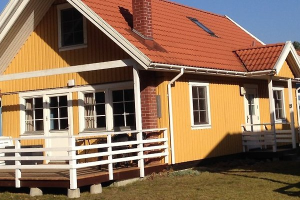 schwedenhaus seeblick useriner see ferienhaus in userin mieten. Black Bedroom Furniture Sets. Home Design Ideas