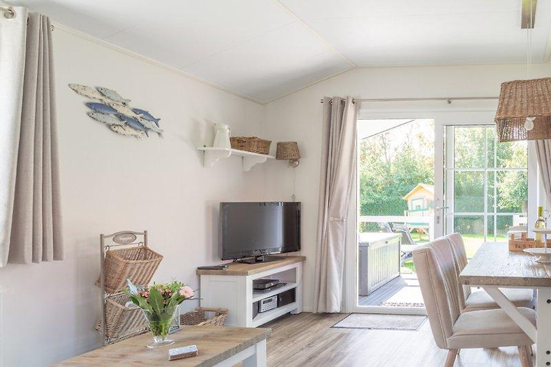 Wohnzimmer mit Gartenblick lodge 2