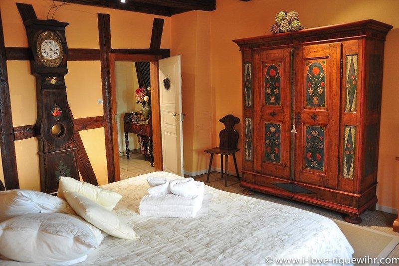 Schlafzimmer 1 mit Bett 180x200